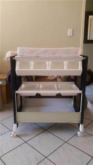 Baby bath compactum for sale