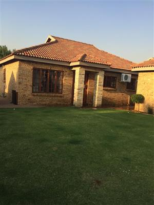 Modern Upmarket Cluster to Rent in Small Secure Complex Vaal Park