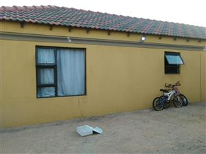 room to rent at Leondale