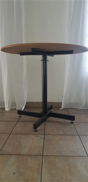 Small Round Wooden Adjustable Tables