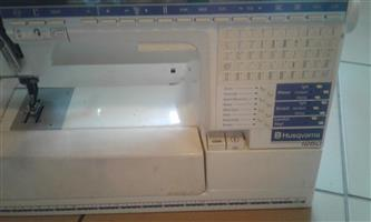 HUSQVARNA 1250 SEWING embrodery  machine with extras
