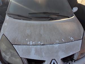 2007 Renault Scenic bonnet