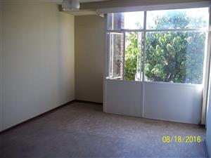 Parktown near ABSA and  KPMG 2bedroomed flat to rent for R4800
