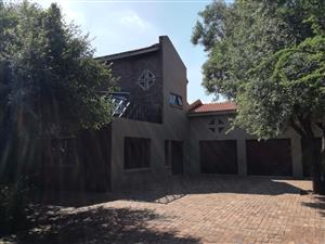 4 Bedroom House with flatlet for Sale in Pebble Rock Golf Village