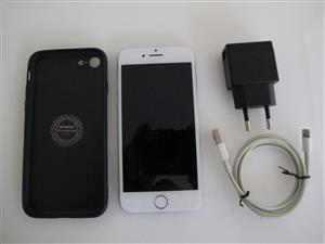Apple iPhone 7 32GB Spotless With Cover