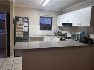 Vredekloof Hills - Brackenfell - 3 Bedroom Ground Floor - 2 Parking bays - TO LET
