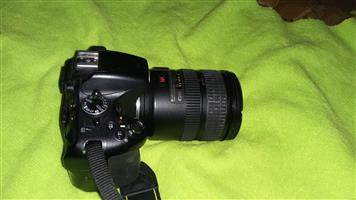 Nikon D5100 and lens for sale with accessories