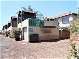 Beautiful simplex for sale in Rietfontein, popular Pretoria Moot area