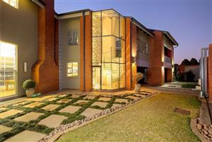 Price dropped by R 500 000 Get your offers in NOW!