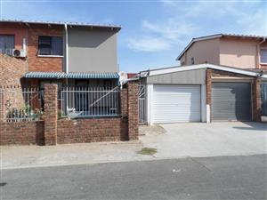 Algoa Park – PRICED TO SELL – Duplex – R560 000