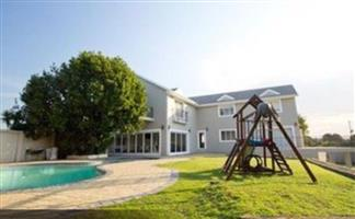 Stunning 5 Bedroom House available in Sardinia Bay