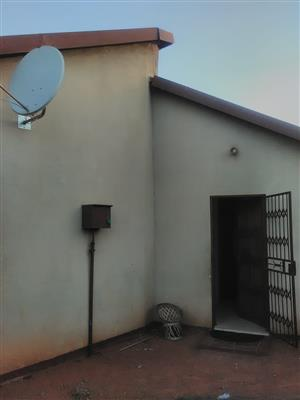 3 Bedroom house in Soshanguve Xx to let. The house is secured and it's next to a park and transport