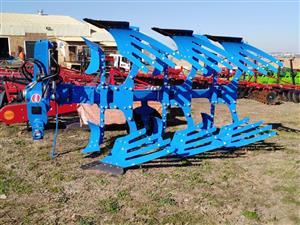 Hydraulic 3 Furrow Reversible Plough