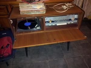Outydse hout musiek kas te koop