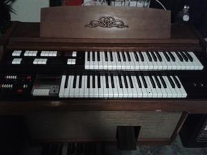 """Electric Lowrey Organ Piano/Cassette Recorder"" > Alberton, JHB"