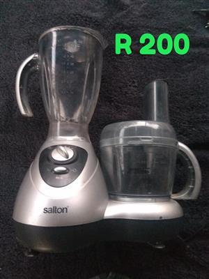 Salton 2 in 1 juicer and blender