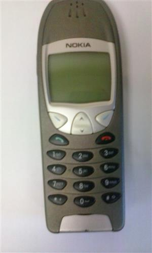 Nokia 6210 Cellphone