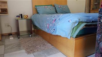 Bedroom suite - 8 Piece with mirror