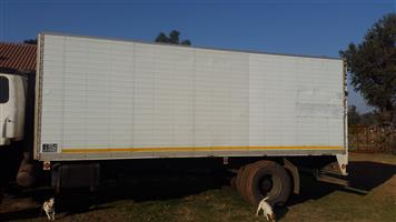 8 ton Closed bin body for swop or sale.