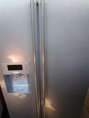 Samsung side x side Fridge/Freezer with ice maker and water dispenser