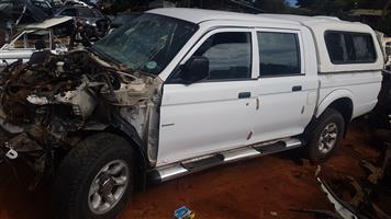 MITSUBISHI COLT 2.4 DOUBLE CAB -BODY PARTS FOR SALE