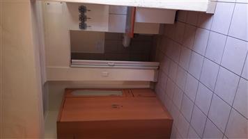 Bedroom with bathroom to rent in Kensington