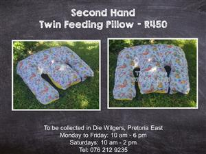 Second Hand Twin Feeding Pillow