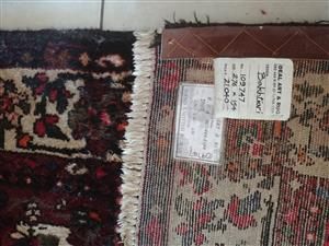 Hand-knotted Bakhtiari Carpet 276x154cm