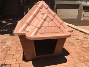 DOG KENNEL HOUSE  PLASTIC