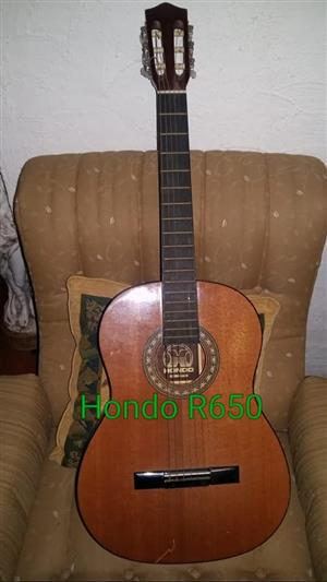 Hondo box guitar for sale