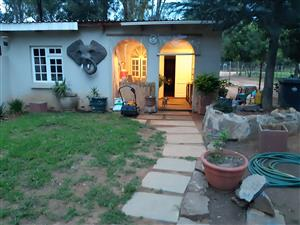 Enclosed, Spacious 2 Bedroom Cottage to Let in Lanseria(R512 towards Hartebees Poort Dam