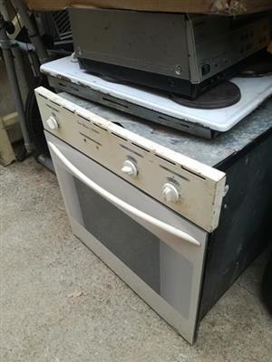Vintage white oven for sale