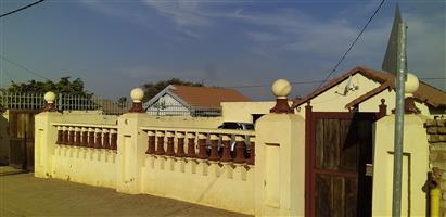 House for sale lotus gardens
