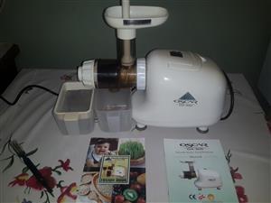 Oscar Juicer Machine - slow masticating juicer