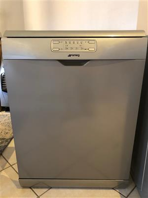Smeg dishwasher in perfect condition