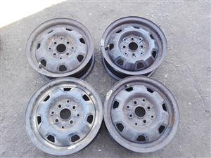 Toyota tazz original standard steal rims and hubcaps or wheel caps aset or loose