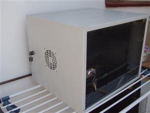 Server Cabinet - 57cm( L) x 44.5cm ( h) x 51 cm (w) -  with keys - in excellent condition