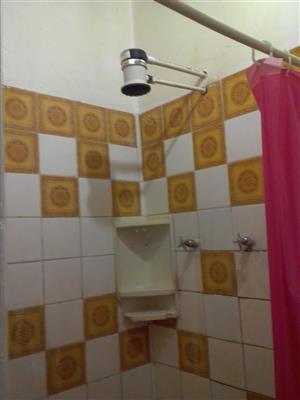 1 bedroom en suite flhat for rent
