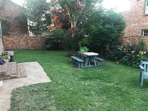 Baie netjiese 2 slk meenthuis te huur in Florauna gardens Pretoria Noord