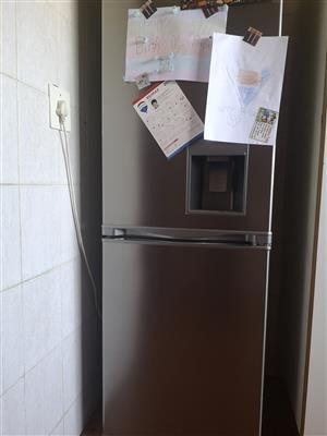 fridge freezer R3000