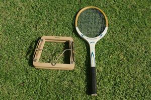 Vitantage Slazenger tennis racket with headpress