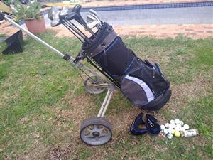 Dunlop Golf bag +Trolley + Golf clubs + 20 Golf balls.