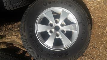 Mitsubishi Triton rims and tires.