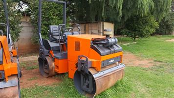 RIDE ON ROLLER - 2.5 TON - XMAS BARGAIN - READY TO WORK
