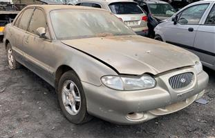 Hyundai Sonata 1998 2l Stripping for spares