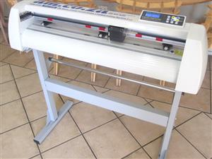 V-1363 V-Series High-Speed USB Vinyl Cutter, 1360mm Working Area, FlexiSIGN Software Vinyl
