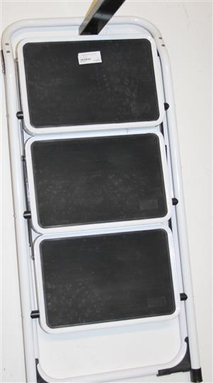 Step ladder S031221F #Rosettenvillepawnshop