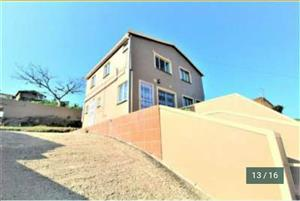 Family Home for sale in Chatsworth