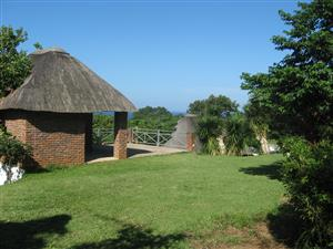 HOLIDAY HOUSE - 6 - 12 SLEEPER - 4 BEDROOM HOME AND 1 BEDROOM COTTAGE UMTENTWENI FROM R105 PPPN