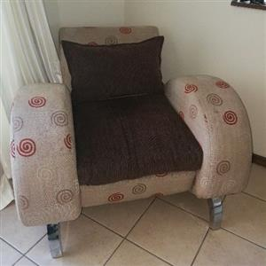 Lounge suite very good condition and modern.